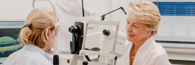 Augenärztin Düsseldorf Innenstadt - Dr. Vogelsang - Untersuchung